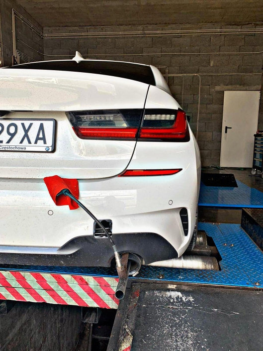 Chip Tuning BMW - Pomiar mocy i momentu obrotowego na hamowni obciążeniowej