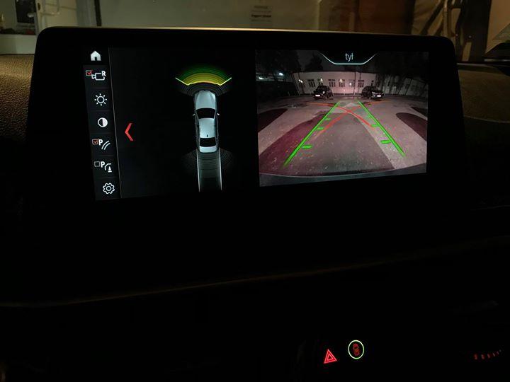 Doposażenie BMW G30 520d o kamerę cofania_5