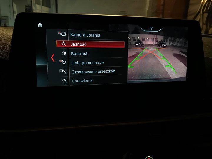 Doposażenie BMW G30 520d o kamerę cofania_6