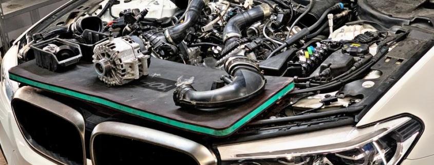 Usterka pompy cieczy chłodzącej oraz paska wielorowkowego w BMW 5 G30 M550ix