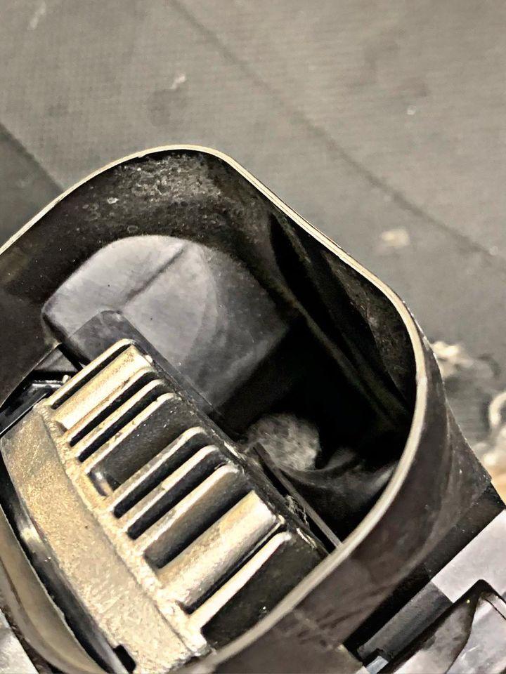 Usterka pompy cieczy chłodzącej oraz paska wielorowkowego w BMW 5 G30 M550ix_03