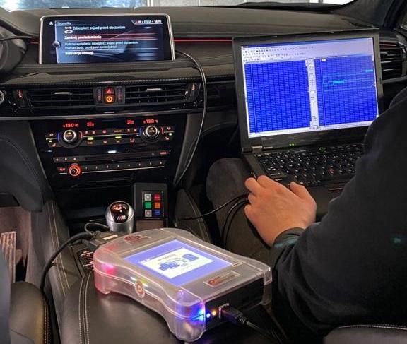 Chip Tuning BMW – Wprowadzenie i zapisanie stosownych zmian w kodzie programu